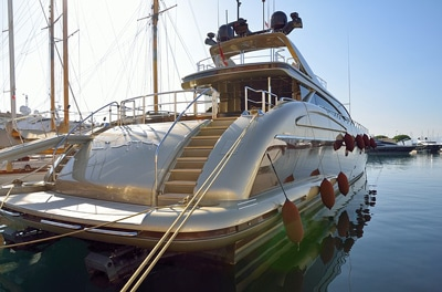 Quels produits choisir pour entretenir son bateau ?