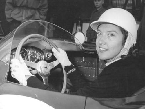 pilote féminin gilberte