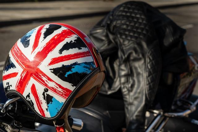 équipement de moto estival : le casque